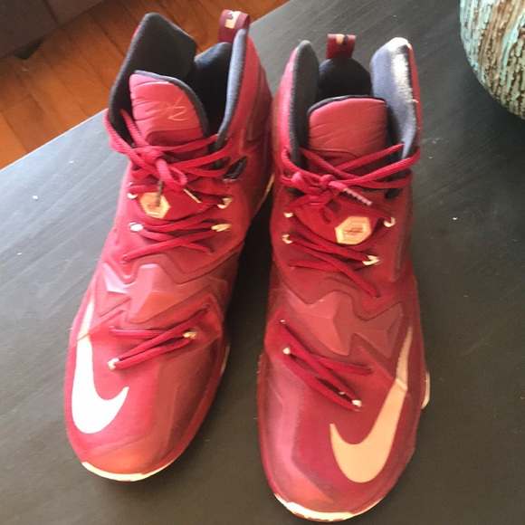 newest 91d4d a319f Nike Lebron 13 Burgundy & Gold